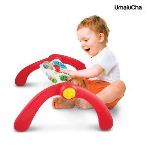 0822-mala-silownia-dziecko-siedzace