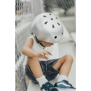 8876-banwood-dzieciecy-kask-rowerowy-chrome