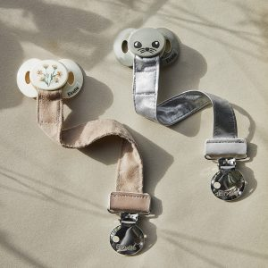 pacifiers-pacifier-clips-SS21-elodie-details-lifestyle-2_1000px