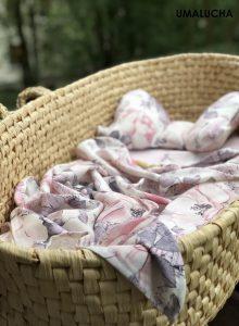 poduszka-motylek-dla-dziecka-bambus-100-pastelowe-kwiaty (1)