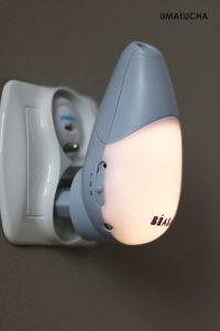 pol_pl_Lampka-nocna-LED-z-projektorem-gwiazd-i-czujnikiem-placzu-i-ruchu-Pixie-Star-Mineral-Beaba-3484_8