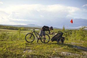 pol_pl_Przyczepka-rowerowa-dla-dziecka-THULE-Chariot-Sport-1-Midnight-Black-9475_22