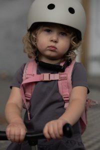 pol_pl_SCOOTANDRIDE-Kask-S-M-dla-dzieci-3-Ash-6029_6
